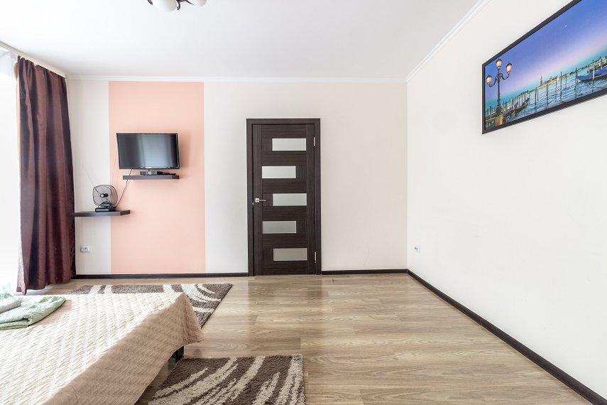 Центр Львова затишна 2 кімнатна квартира (5)