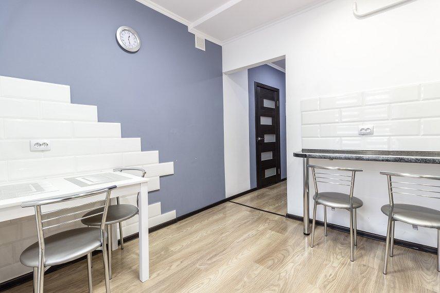 Центр Львова затишна 2 кімнатна квартира (7)