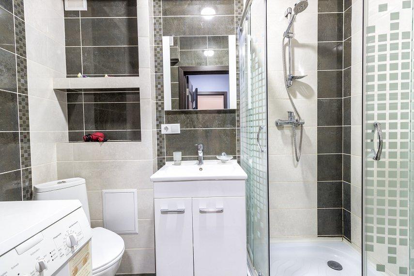 Центр Львова затишна 2 кімнатна квартира (9)