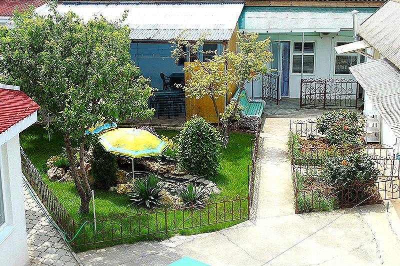 Евпатория жилье у моря дом в частном секторе Заозерное (2)
