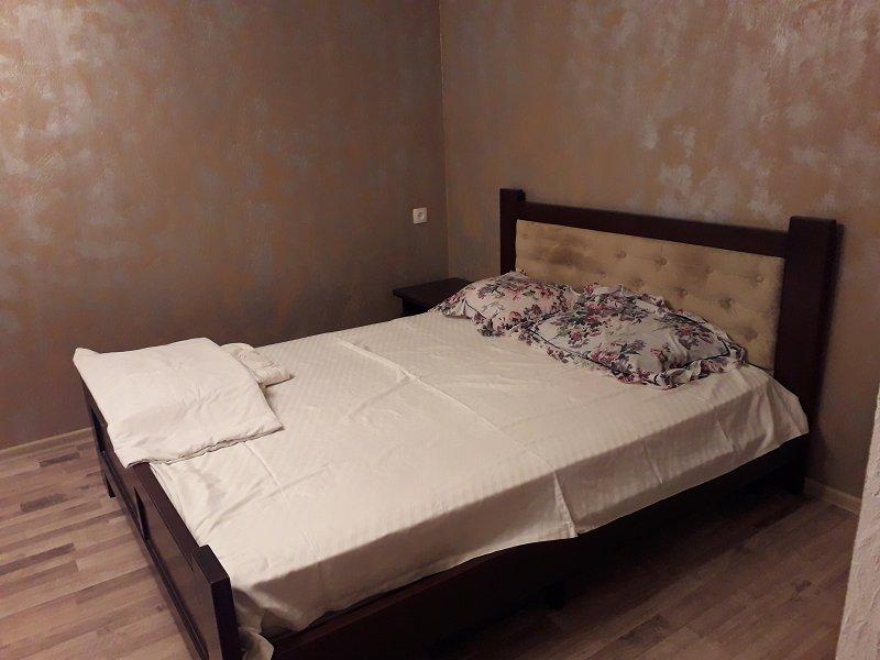 2-кімнатна квартира подобово, Миколаїв, просп. Героїв України, 77