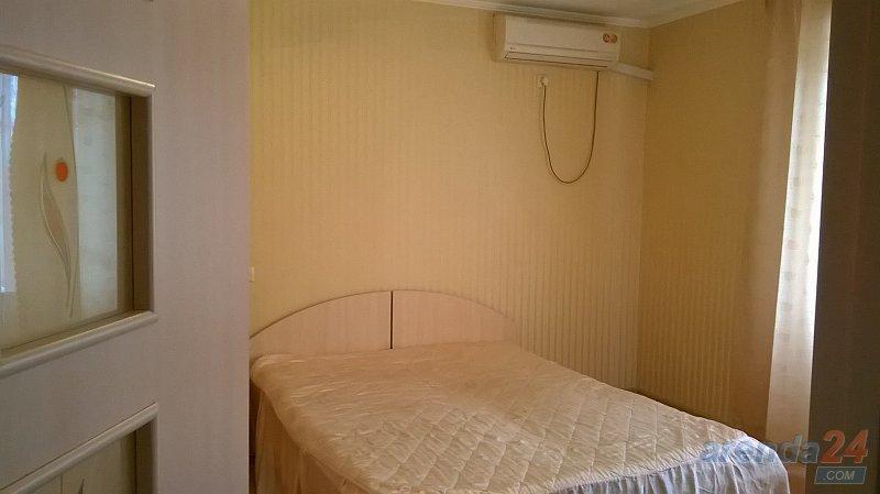 Сдаю посуточно 1-комнатную квартиру в центре города (8)