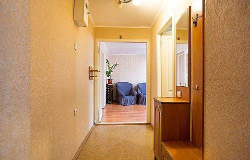 Двухкомнатная квартира в центре города (8)