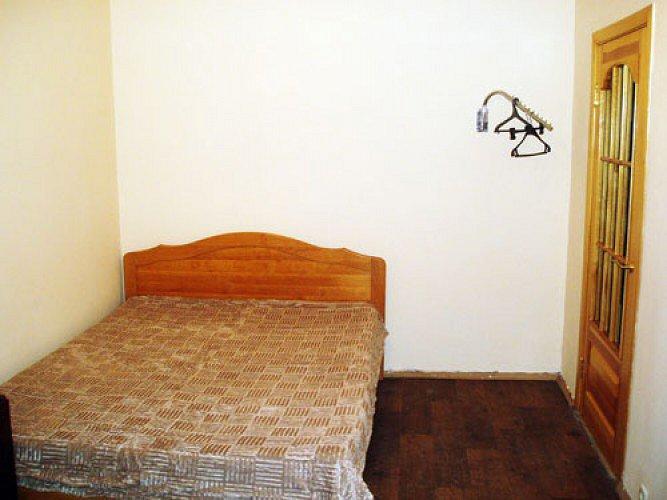 1-комнатная квартира посуточно, Киев, улица  Радужная , 39 (1)