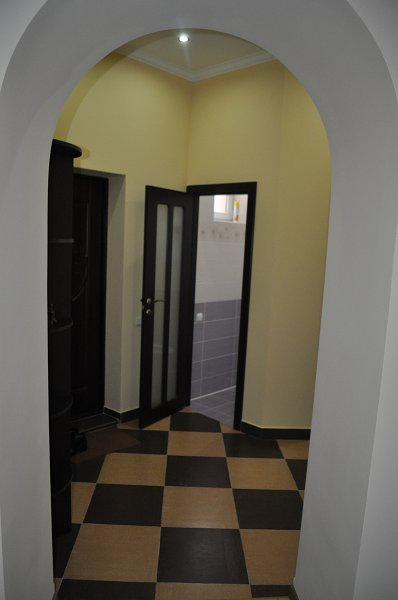 Посуточно, 2-х комнатная квартира в центре. (4)