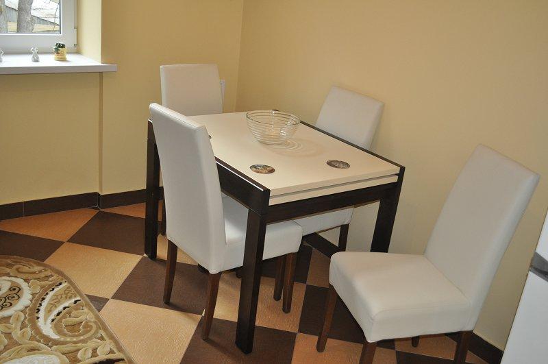 2-кімнатна квартира подобово, Чернівці, вул. Маяковського, 30 (5)