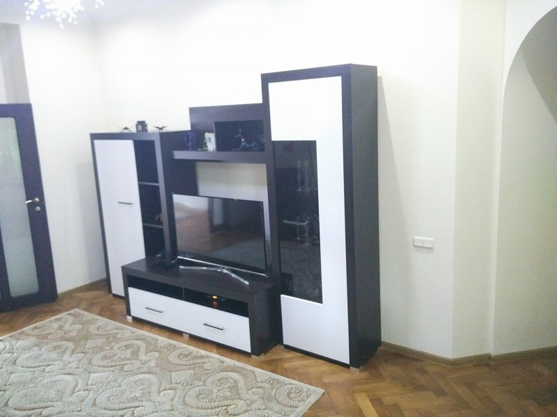 2-кімнатна квартира подобово, Чернівці, вул. Маяковського, 30 (6)
