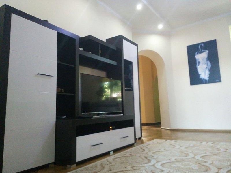 2-кімнатна квартира подобово, Чернівці, вул. Маяковського, 30 (7)