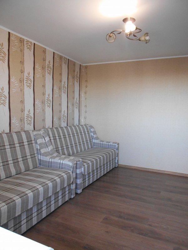 1-кімнатна квартира подобово, Миргород, вул. Незалежності, 2 (1)