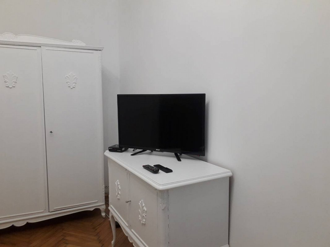 1-комнатная квартира посуточно, Львов, ул. Руська, 12 (2)