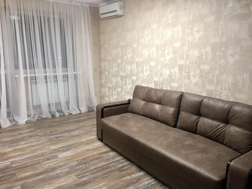 1-кімнатна квартира подобово, Харків, просп. Науки, 72