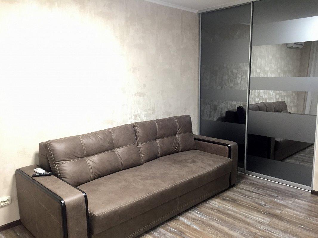 1-кімнатна квартира подобово, Харків, просп. Науки, 72 (1)