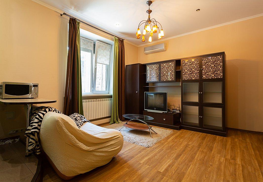 1-кімнатна квартира подобово, Київ, пров. Алли Горської, 10