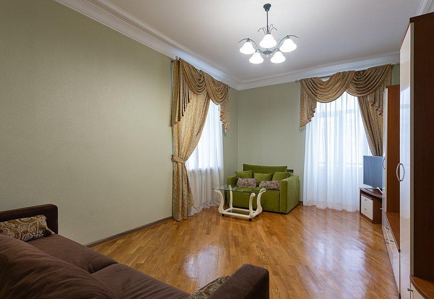 2-комнатная квартира посуточно, Киев, ул. Лютеранская, 21