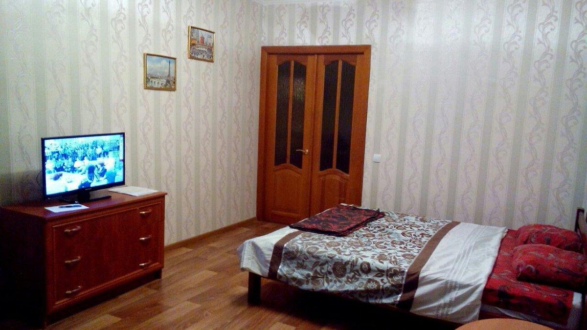 1-комнатная квартира посуточно, Чернигов, просп. Победы, 63
