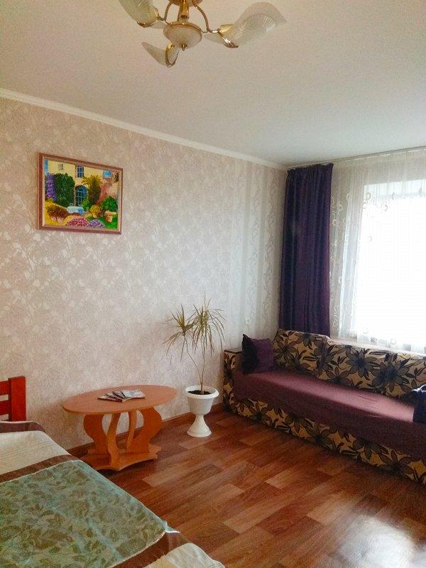 1-комнатная квартира посуточно, Чернигов, просп. Победы, 63 (1)