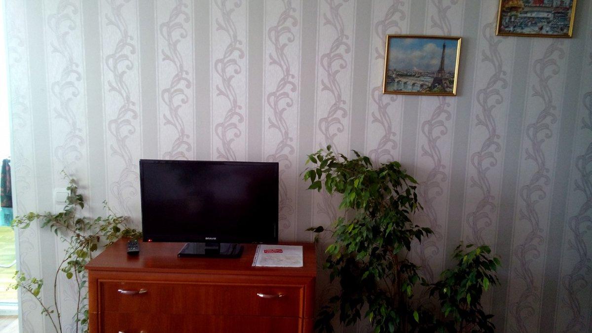 1-комнатная квартира посуточно, Чернигов, просп. Победы, 63 (2)