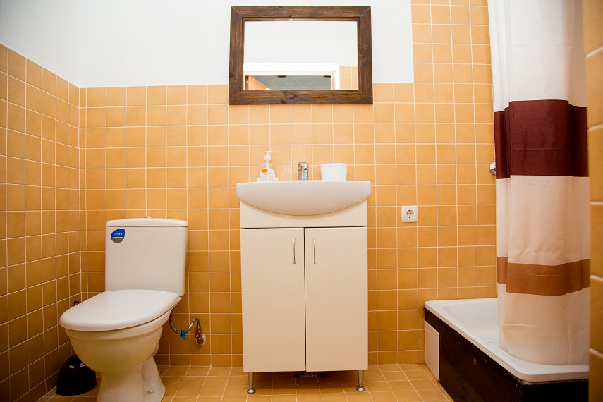 Сдаю жилье в Берегово (8)