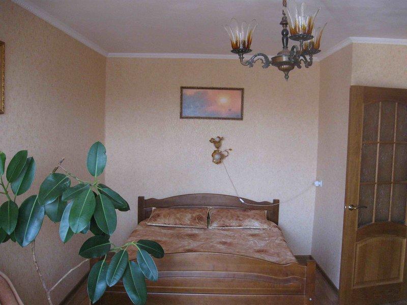 Здам подобово в Севастополі квартиру біля моря (1)