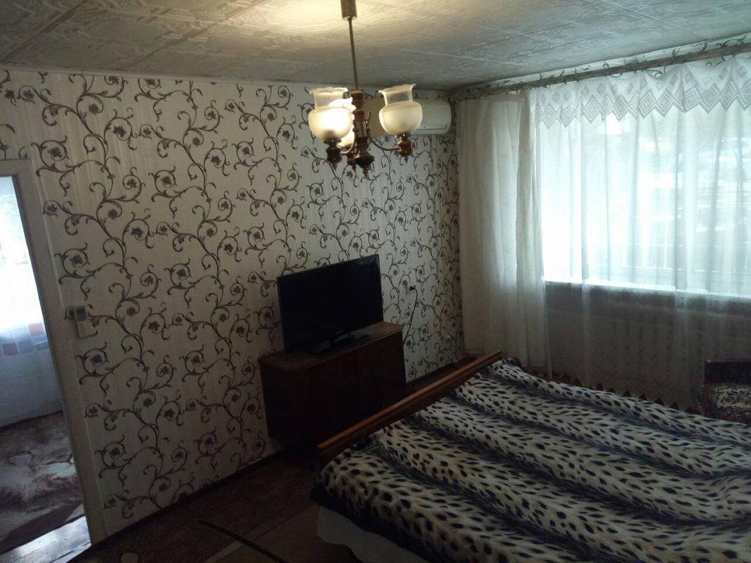 2-кімнатна квартира подобово, Чорноморськ (Іллічівськ), вул. Данченко, 9