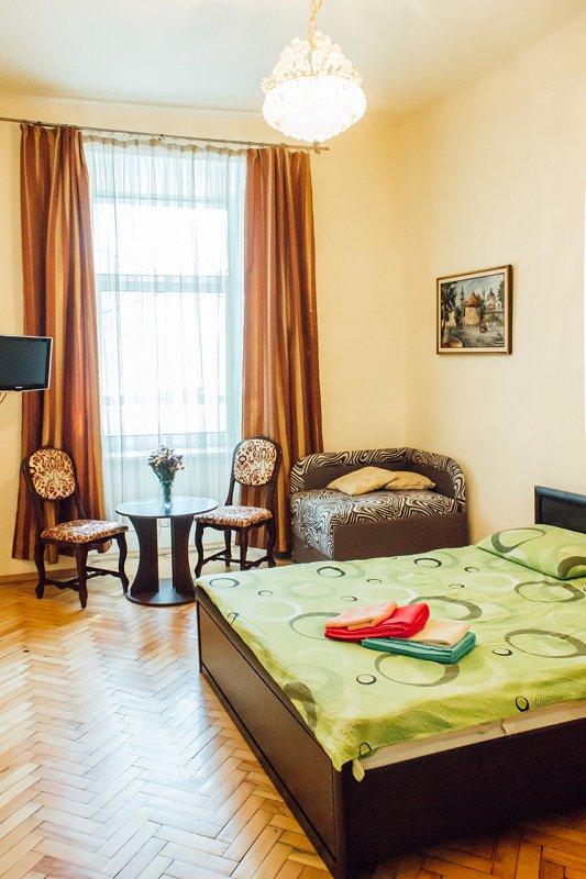 1-комнатная квартира посуточно, Львов, ул. Краковская, 34