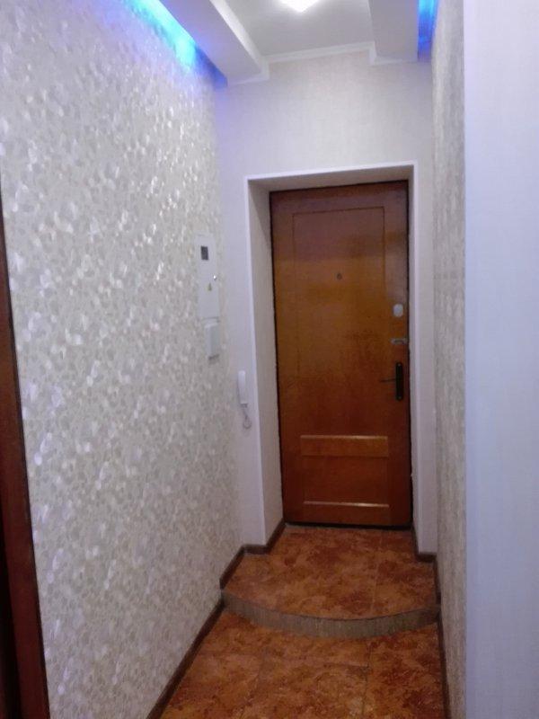 2-комнатная квартира посуточно, Черноморск (Ильичевск), ул. Парковая, 26