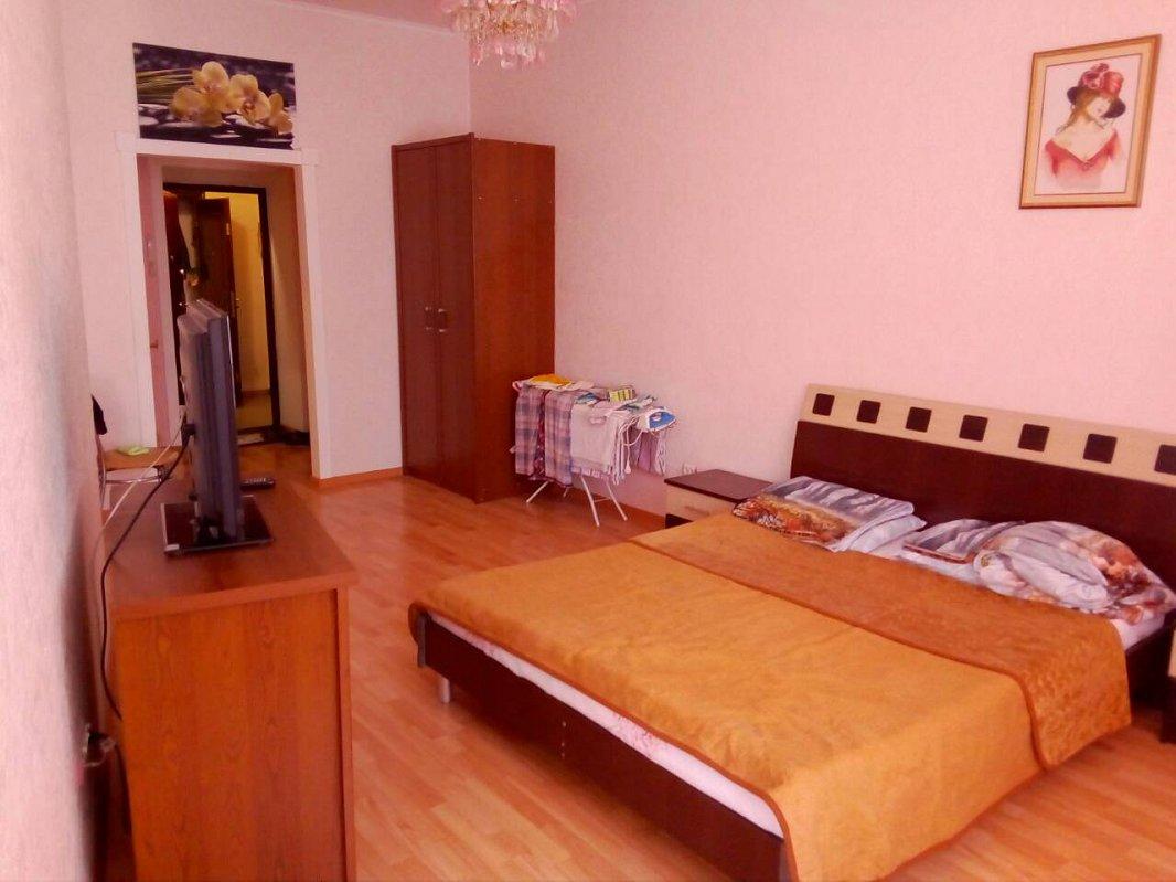1-комнатная квартира посуточно, Черноморск (Ильичевск), пер. Хантадзе, 4