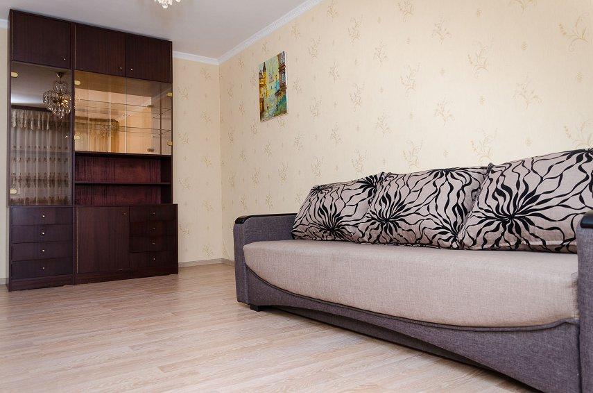 2-комнатная квартира посуточно, Киев, пл. Оболонская, 1
