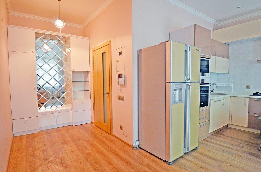 2-кімнатна квартира подобово, Миколаїв, вул. Соборна, 50