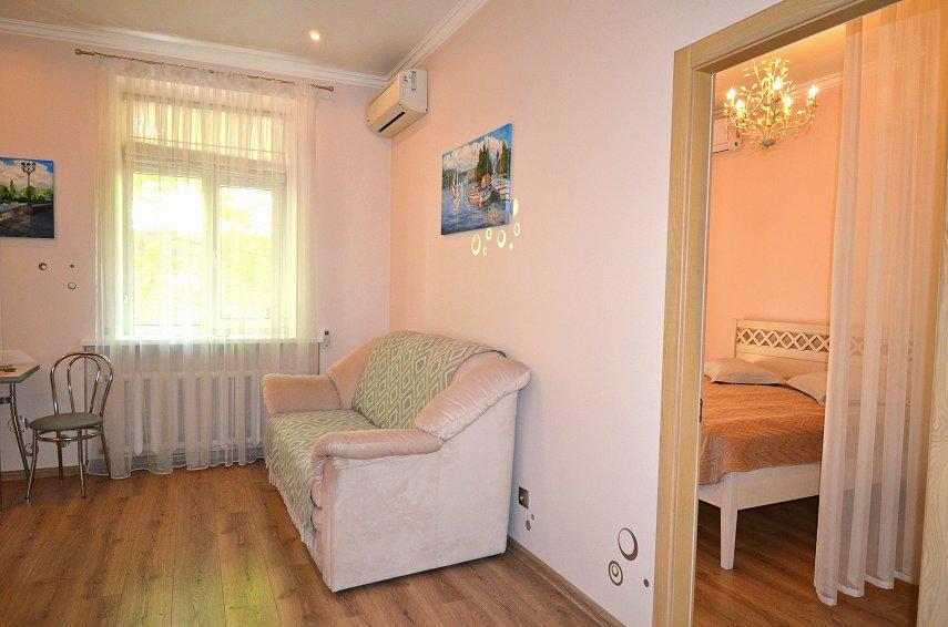 2-кімнатна квартира подобово, Миколаїв, вул. Соборна, 50 (4)