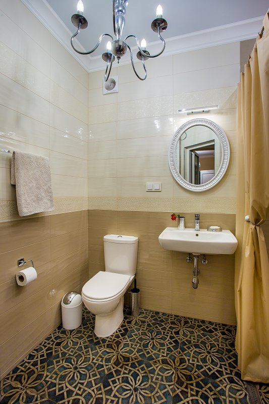3-кімнатна квартира подобово, Миколаїв, вул. Московська, 13 (9)