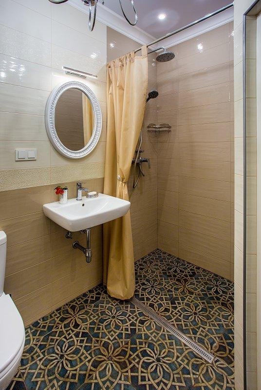 3-кімнатна квартира подобово, Миколаїв, вул. Московська, 13 (10)