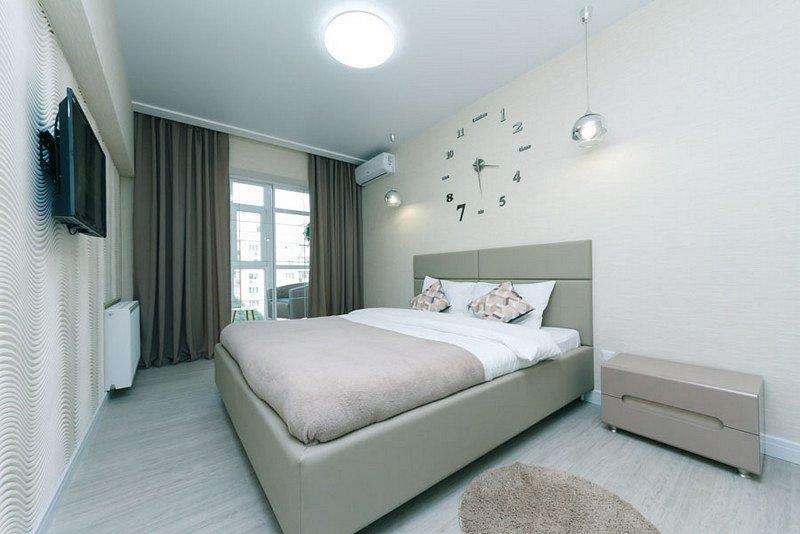 4-комнатная квартира посуточно, Киев, б-р Леси Украинки, 24 (7)