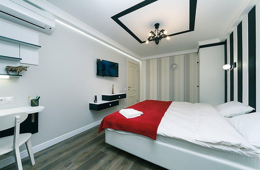 4-комнатная квартира посуточно, Киев, ул. Новогоспитальная, 5 а