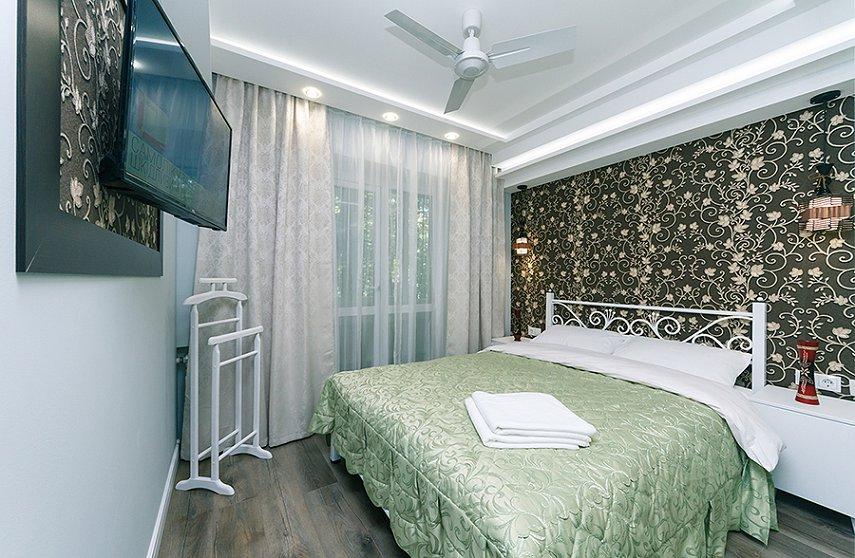 4-комнатная квартира посуточно, Киев, ул. Новогоспитальная, 5 а (1)