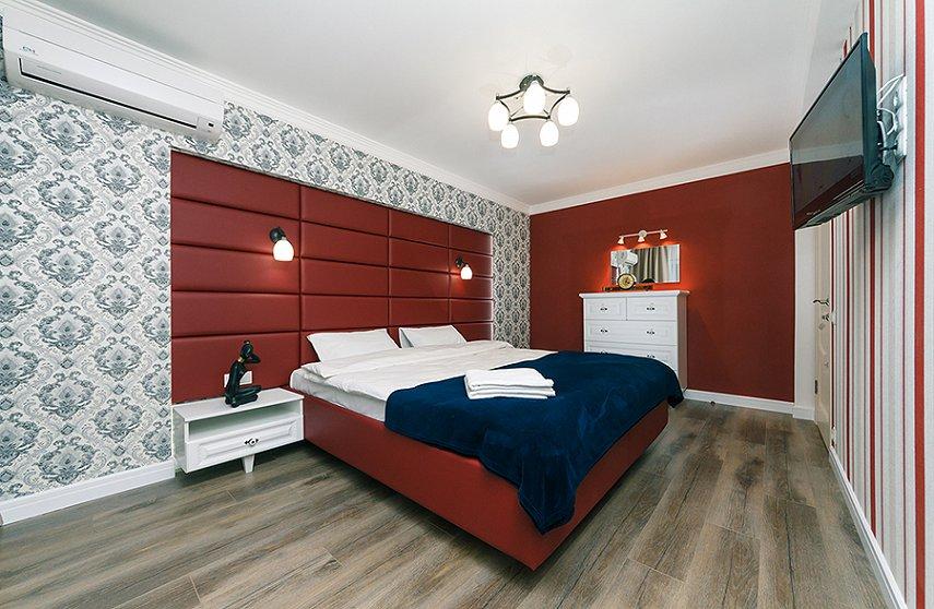 4-комнатная квартира посуточно, Киев, ул. Новогоспитальная, 5 а (8)