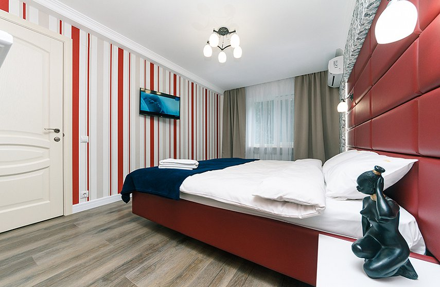 4-комнатная квартира посуточно, Киев, ул. Новогоспитальная, 5 а (9)