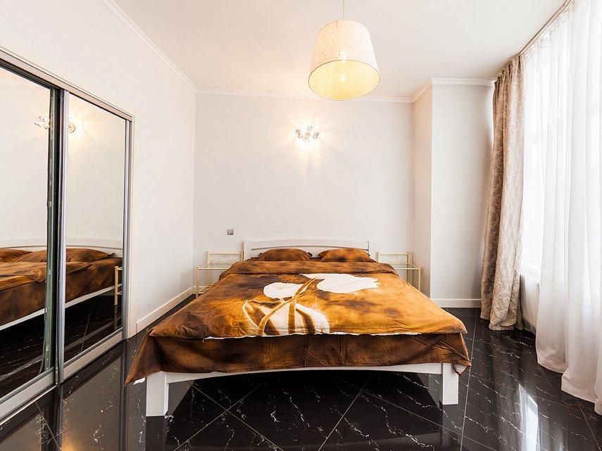 2-комнатная квартира посуточно, Киев, ул. Саксаганского, 121 (8)