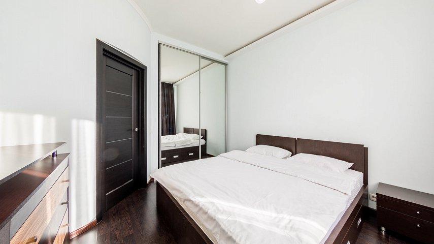 3-комнатная квартира посуточно, Киев, ул. Саксаганского, 121 (1)