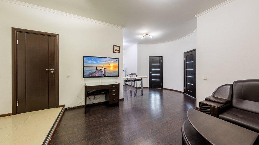 3-комнатная квартира посуточно, Киев, ул. Саксаганского, 121 (7)