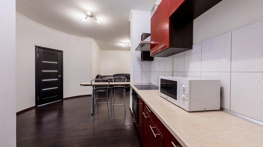 3-комнатная квартира посуточно, Киев, ул. Саксаганского, 121 (10)