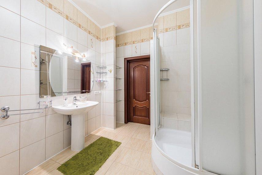 2-комнатная квартира посуточно, Киев, ул. Саксаганского, 121 (6)