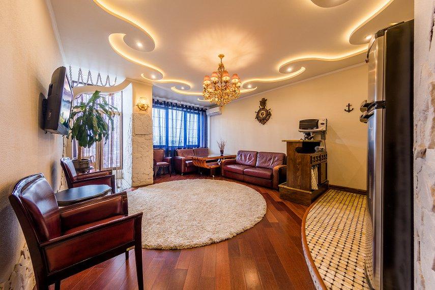 2-комнатная квартира посуточно, Киев, ул. Саксаганского, 121