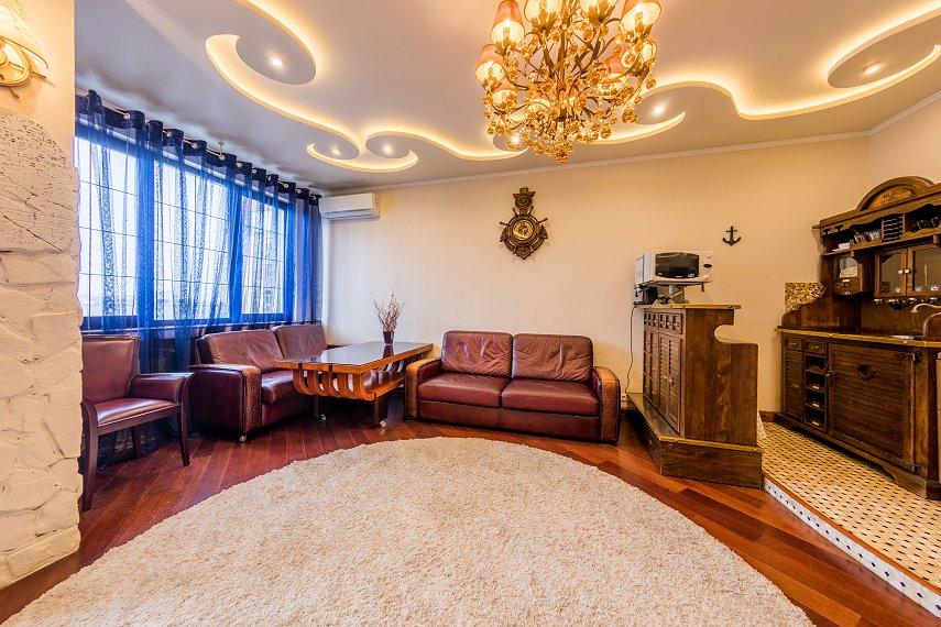 2-комнатная квартира посуточно, Киев, ул. Саксаганского, 121 (9)