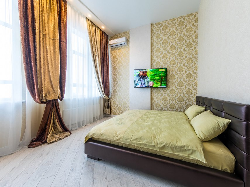 1-комнатная квартира посуточно, Киев, ул. Жилянская, 118