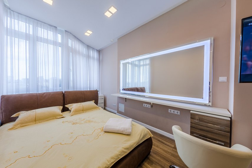 2-комнатная квартира посуточно, Киев, ул. Жилянская, 118