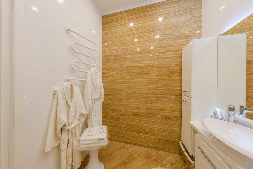 2-комнатная квартира посуточно, Киев, ул. Жилянская, 118 (9)