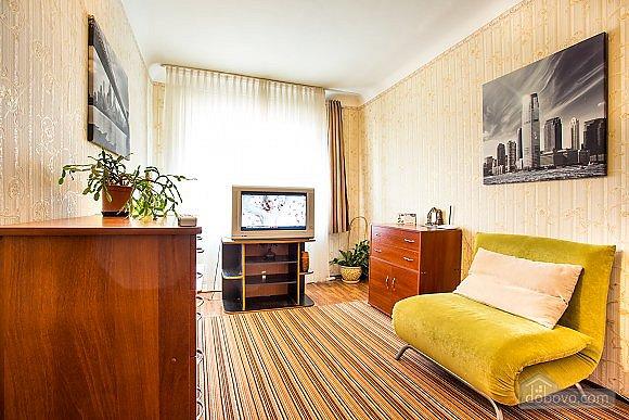 1-кімнатна квартира подобово, Херсон, вул. Залізнична, 21 (1)