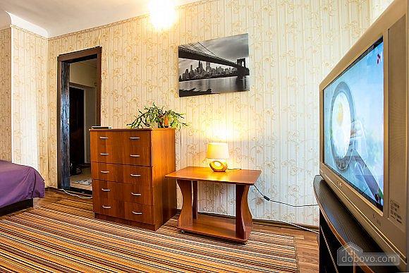 1-кімнатна квартира подобово, Херсон, вул. Залізнична, 21 (3)