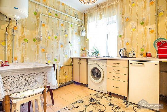 1-кімнатна квартира подобово, Херсон, вул. Залізнична, 21 (5)